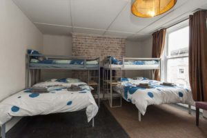 Georgian Loft Apartment double bunk beds